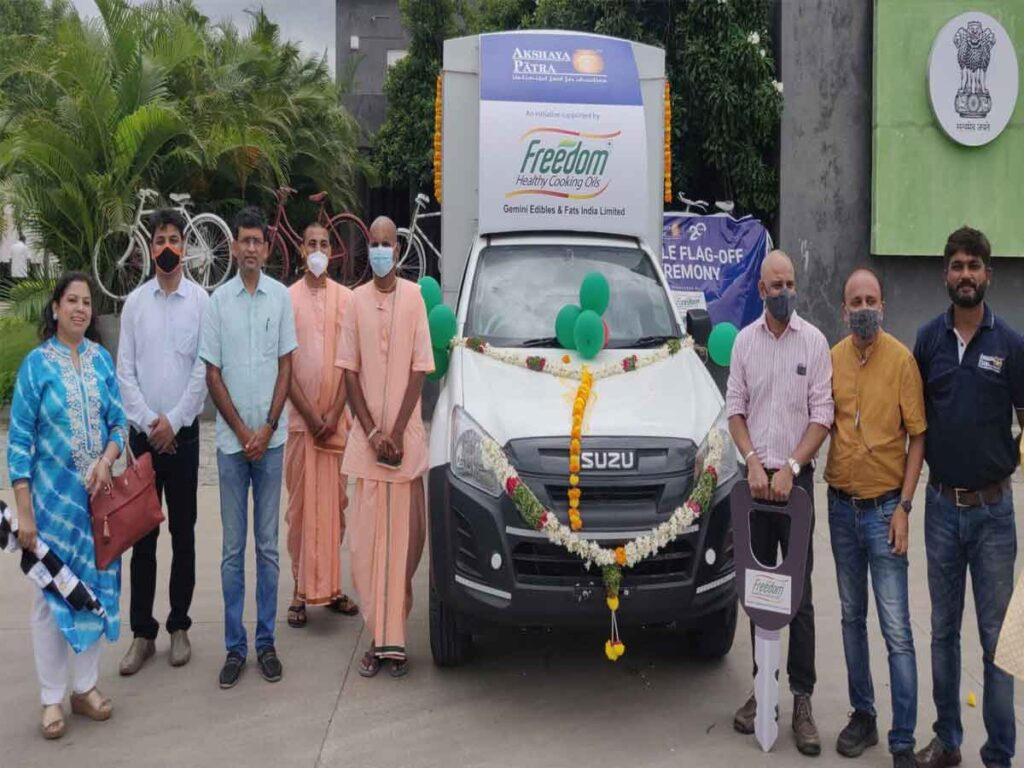 Freedom Cooking Oils partners with Akshaya Patra Foundation, to provide 3 Food Delivery Vehicles in TS