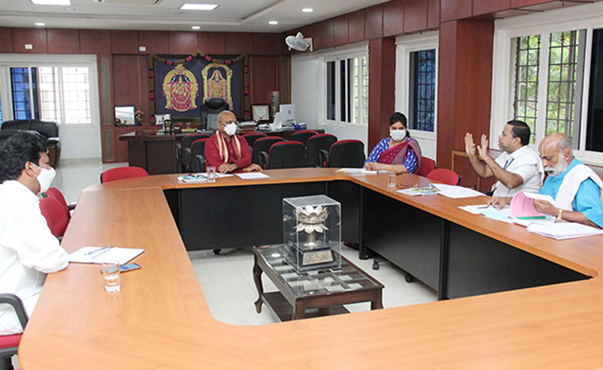 EXPERTS COMMITTEE TO ENHANCE QUALITY OF EDUCATION IN TTD EDUCATIONAL INSTITUTIONSEXPERTS COMMITTEE TO ENHANCE QUALITY OF EDUCATION IN TTD EDUCATIONAL INSTITUTIONS