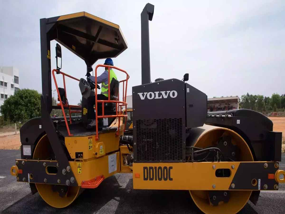 Volvo Construction Equipment launches two new Wheel Loaders for Indian Market